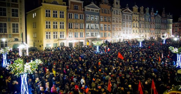 After violently killing on the Polish mayor: Now go thousands on the street