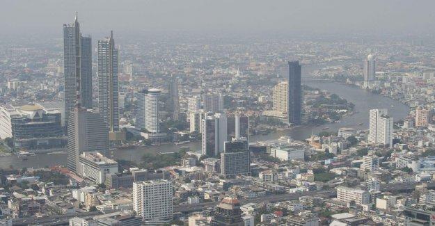 Air pollution closes hundreds of schools in Bangkok
