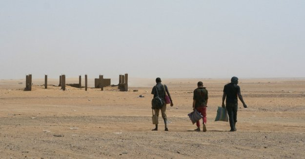 Algerian government should have suspended 120 migrants in the Sahara