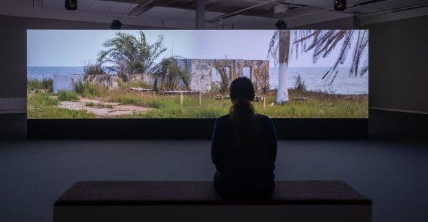 Art review: Mats Hjelm twist a dense visual fabric