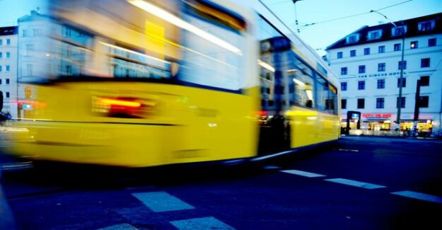 Berlin-Mitte : an accident with a Tram: pedestrian severe head injury