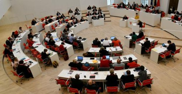 Brandenburg: More women in the Parliament - by law
