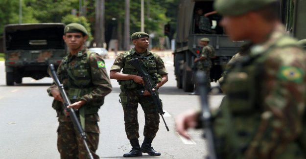 Brazil put soldiers in the troubled corner