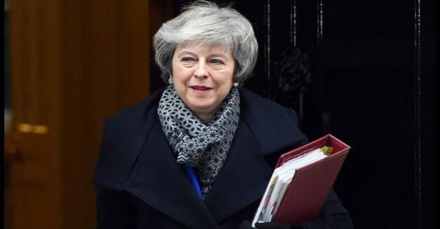 Brexit - a vote of no confidence against May : Hope on reason.