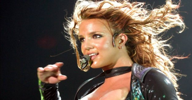 Britney Spears sets his career on an indefinite period of time
