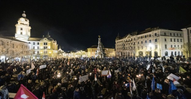 Continued protests against the Hungarian övertidslag