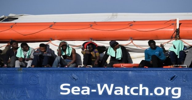 Court: Italy must make people on locked ship help