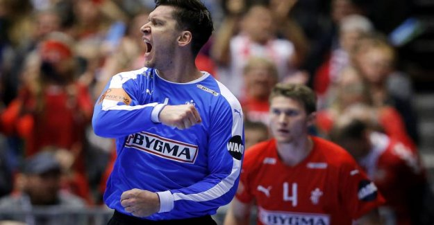 Denmark storsejrer and is in gruppefinale despite terrible start