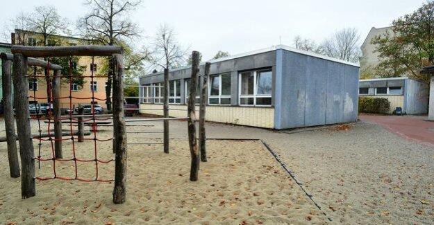 Dilapidated schools in Berlin : Biesdorfer students return in mold threatens Container