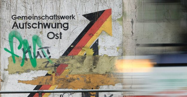 East Germany : the CDU and the SPD want to survive state elections