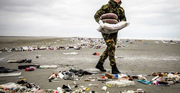 Even the military scaring of huge garbage on Dutch island: This is terrible