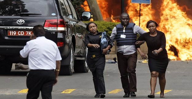 Explosion and gunfire at a hotel complex in Nairobi