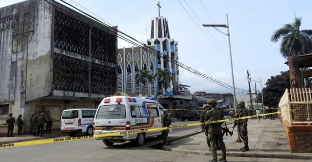 Explosions in the Philippines: at Least 21 Dead