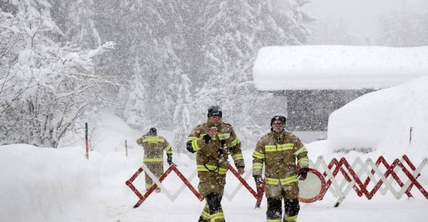 Extremely skivejr: 85 Danish school students snowed in