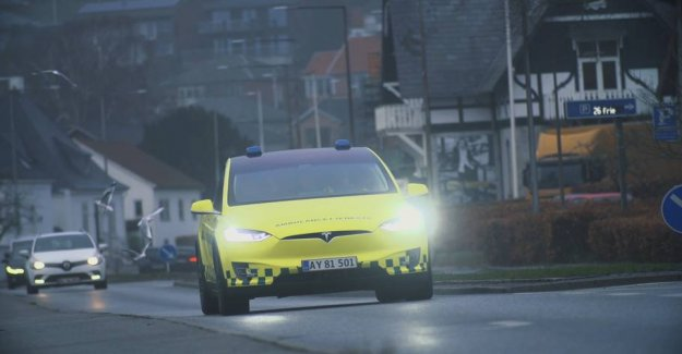 Falck builds Tesla on to the emergency vehicle