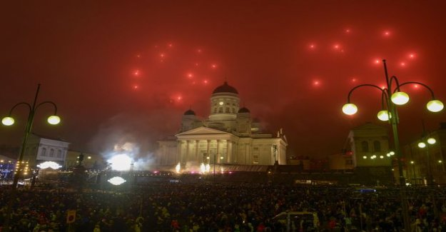 Fireworks caused several damage to people already in the first hours - emergency response centre administration, including a surprising message: Number of junk box received burns all over Finland