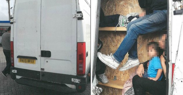 Flemish garagisten remodel vans for people smugglers: unbearably hot in the tiny hidden spaces