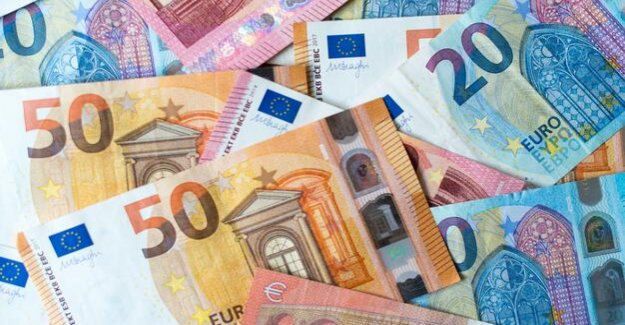 For the first time, more than 6 trillion euros, of which : financial assets of German at a record high