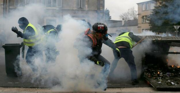 France : the yellow vests to go further on the road