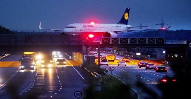 German strikes set up hundreds of flights