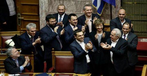 Greek Parliament, Tsipras trust