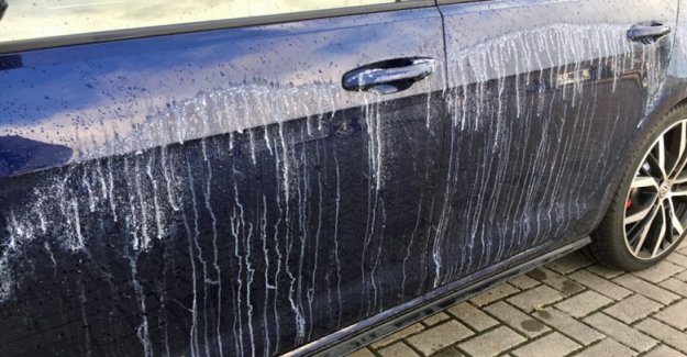 Hundreds of cars in Wolfsburg with glue smeared