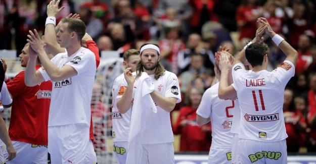 In the Danish WORLD cup match: It's a little højrøvet setting