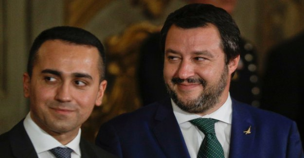 Italy's government falls Macron in the back