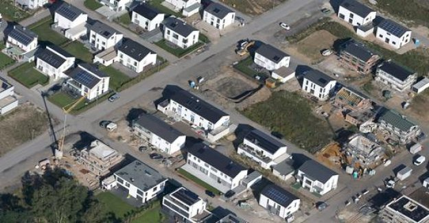Land tax: Are renters more burdened?