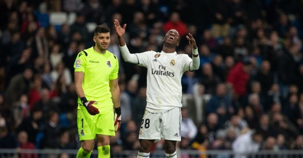 Lost again. Now Real Madrid is far behind serieleder and arch rival