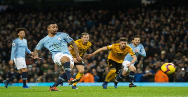Manchester City rallattaa the Wolves bust - Gabriel Jesús hover around your rules the roost