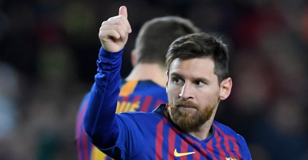 Messi scored his 400th goal