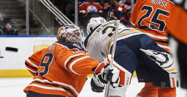 Mikko Koskiselta power run the oilers in the paint - crowned peak night through the first power points,