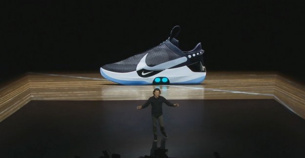 Never again your laces knots? Nike unveils 'zelfstrikkende' sneaker with app