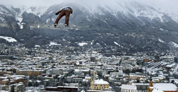 No no no! Here it goes completely wrong for the ski jumper