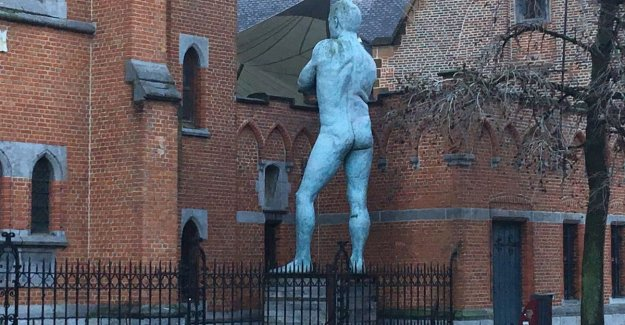 Now he is back with his hole to the city!: who is running work of art in Aarschot constant?