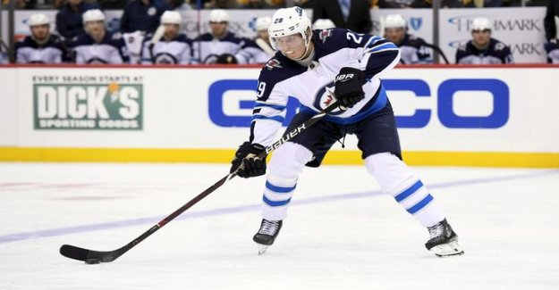 Patrik Laine just as a tourist in Boston, I sat almost the entire game in the coach's doghouse