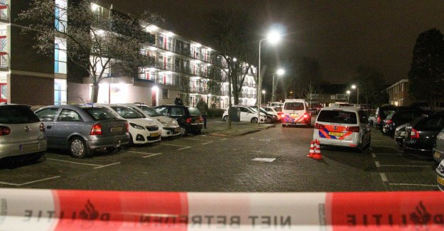 Peutertje of first floor block of flats thrown up in the Netherlands: father held