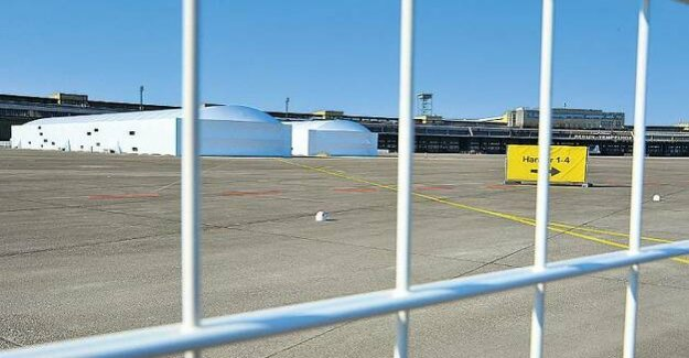 Refugee accommodation in the Tempelhof airport in Berlin : For two million built, not used, dismantled