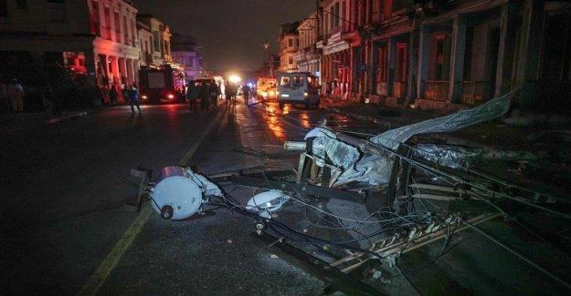 Several dead in violent tornado in Havana