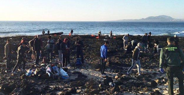 Spanish coast guard intercepted a 33 migrants in Lanzarote