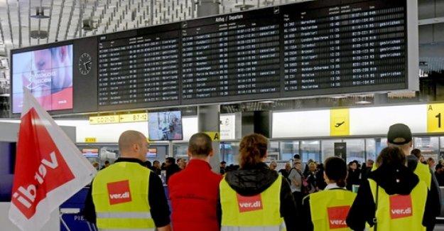 Strikes put air traffic standstill