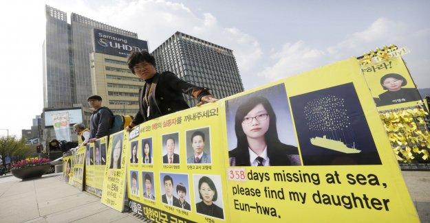 Survivors of the ferry Sewol compensation