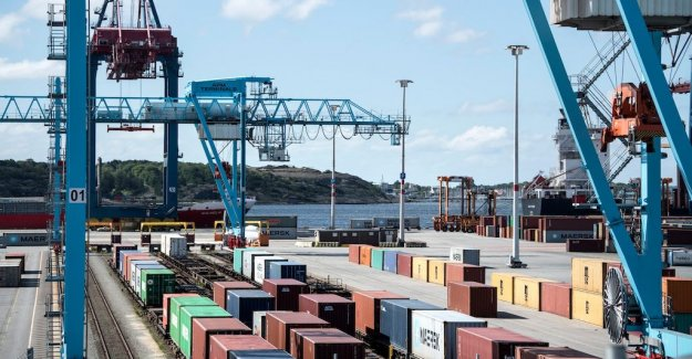 Sweden's Ports adds lockout notice