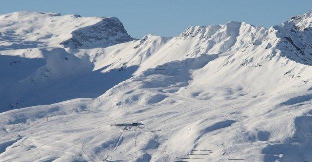 Swiss woman dies in snowboarding accident in Austria
