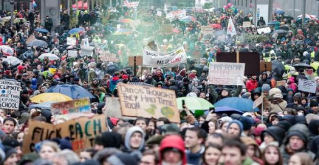Tens of thousands of call in Brussels for better climate protection