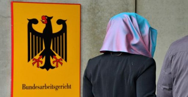 The ECJ must decide on headscarf ban for cashier