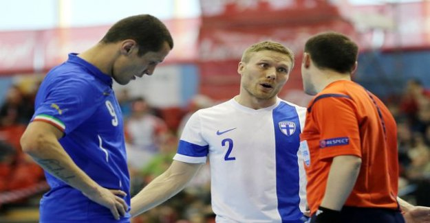 The Finnish futsal national team in perfect stuck in Istanbul for three days, the main qualification from the start of the game anymore for a few hours - We don't have a lot of spare clothes