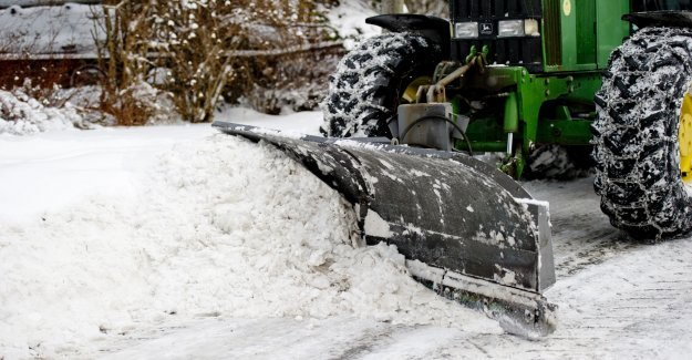 The conflict about the snow removal can be resolved