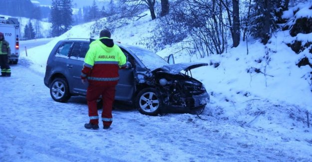 The snow creates problems - several traffic incidents around the country